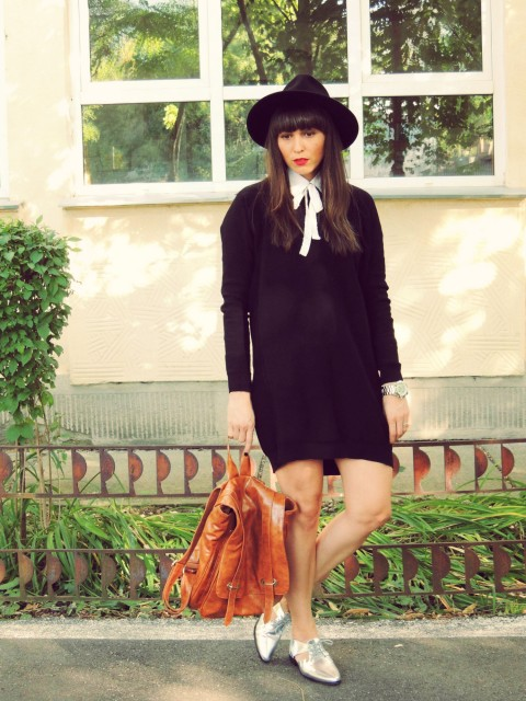 BACK TO SCHOOL TINUTA PULOVER TIP ROCHIE 10