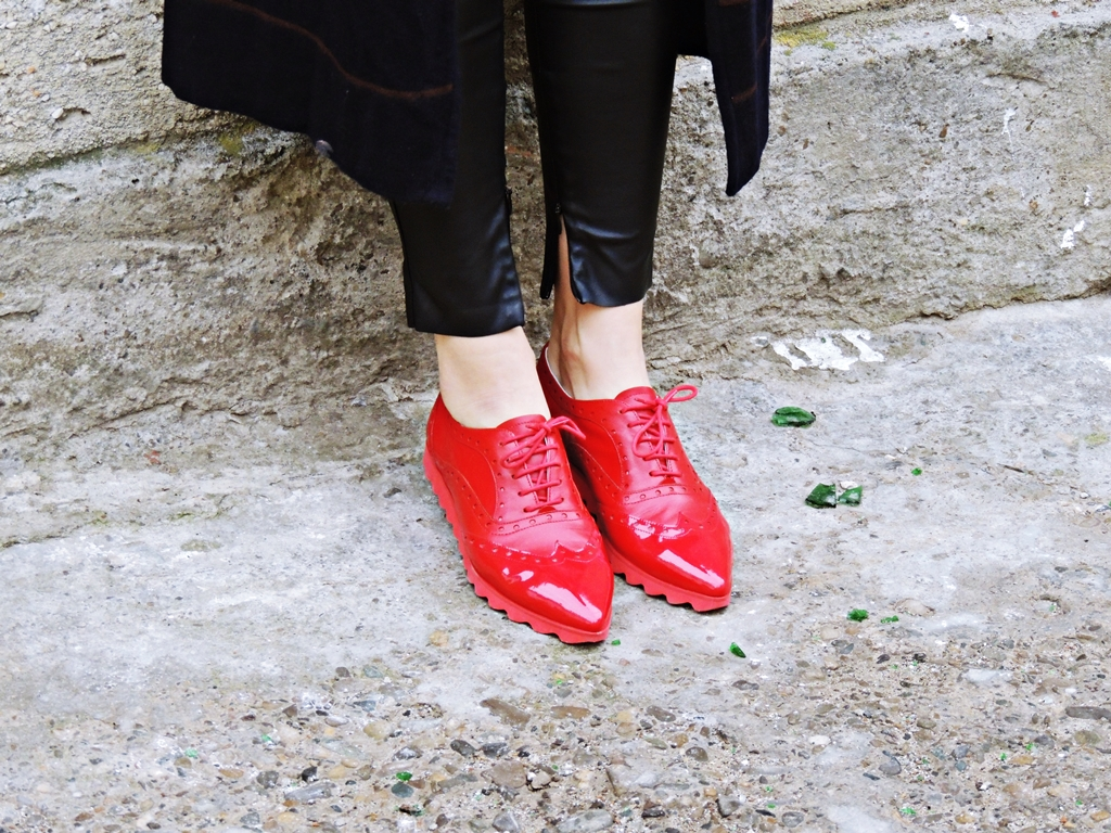 pantofi rosii etienne
