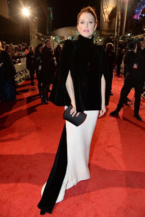 premiile BAFTA covorul rosu 2016 Julianne Moore