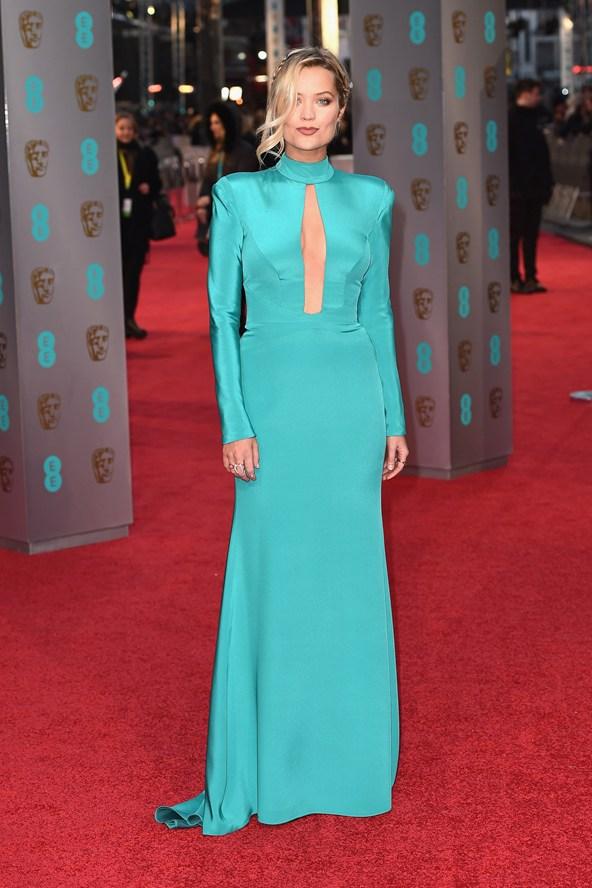 premiile BAFTA covorul rosu 2016 Laura Whitmore