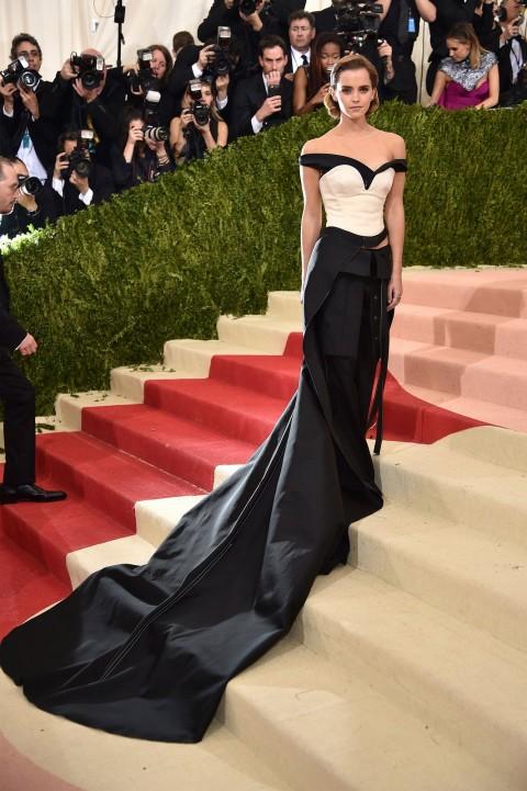 Met Gala 2016 covorul rosu Emma Watson