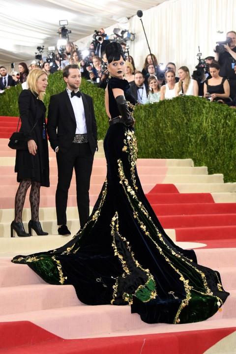 Met Gala 2016 covorul rosu Katy Perry