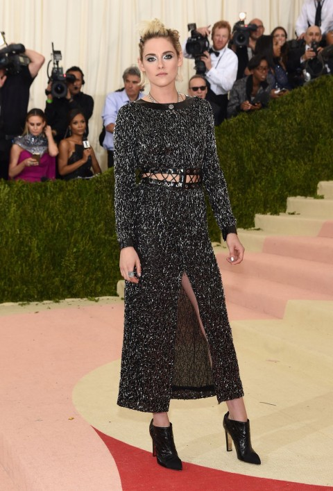 Met Gala 2016 covorul rosu Kristen Stewart