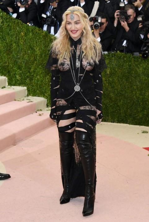 Met Gala 2016 covorul rosu Madonna