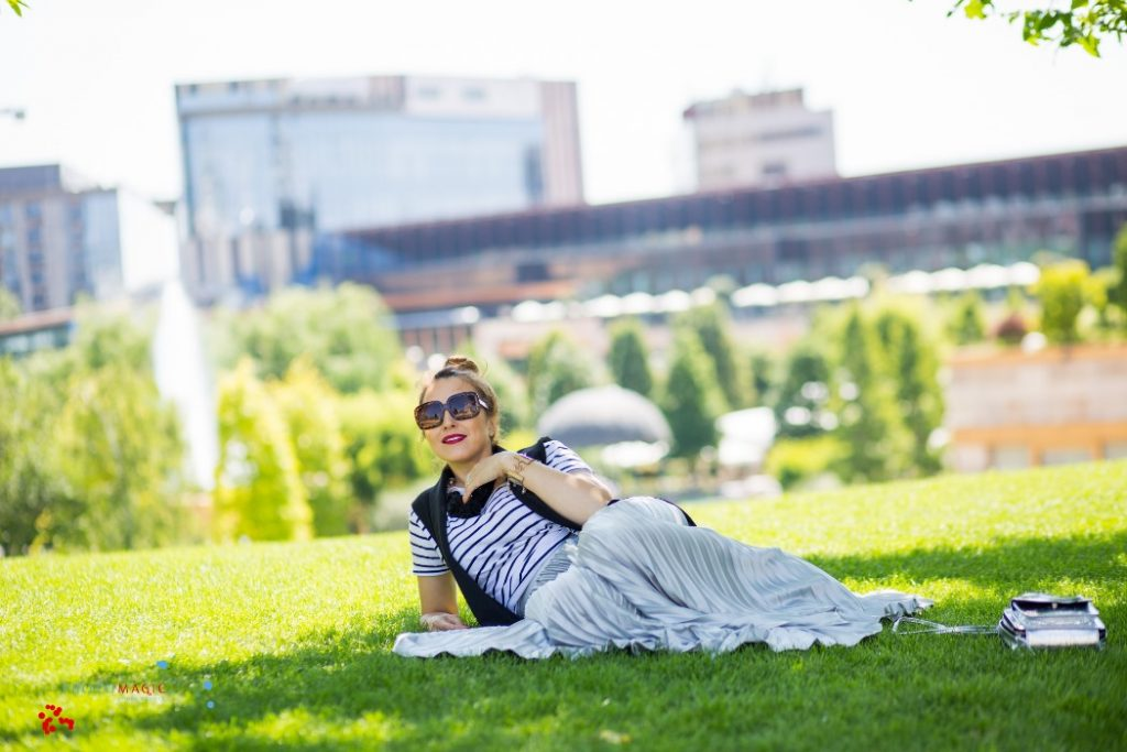 fusta lunga cu pliuri blog de moda Iasi