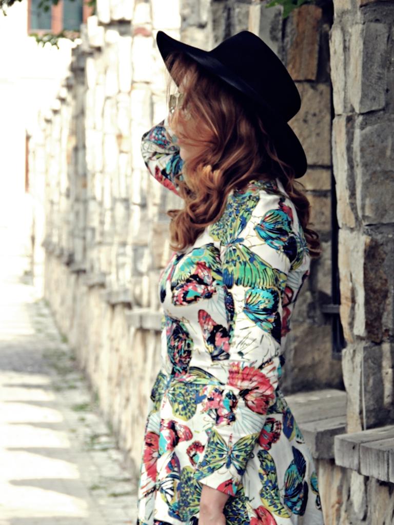 costum imprimeu fusta si bluza tinuta vara 2016