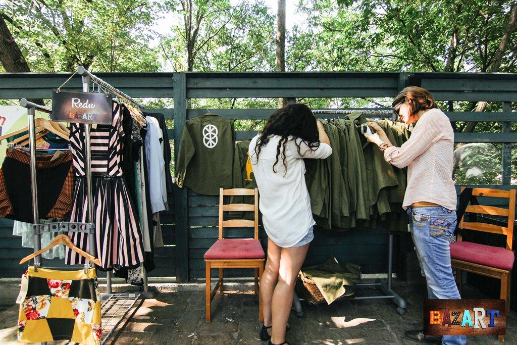 evenimentul BazART Iasi - un bazar de haine altfel