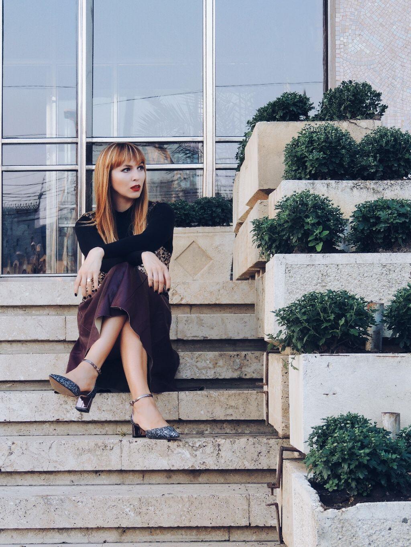 tendinte-in-moda-toamna-2016-rochia-peste-maleta-uniconf